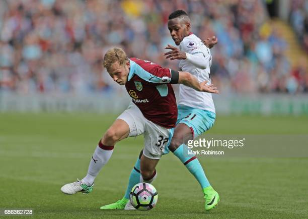 Daniel Agyei of Burnley and Edimilson Fernandes of West Ham United battle for the ball during the Premier League match between Burnley and West Ham...