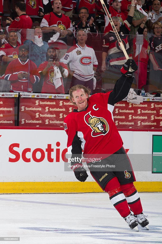 Daniel Alfredsson of the Ottawa Senators acknowledges the fans after being named third star in Game Four of the Eastern Conference Quarterfinals...