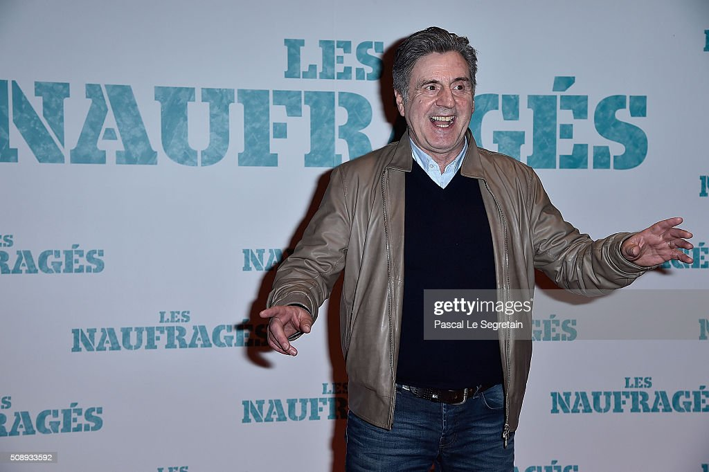 <a gi-track='captionPersonalityLinkClicked' href=/galleries/search?phrase=Daniel+Auteuil&family=editorial&specificpeople=239190 ng-click='$event.stopPropagation()'>Daniel Auteuil</a> attends the Paris Premiere of 'Les Naufrages' film at Cinema Gaumont Marignan on February 7, 2016 in Paris, France.