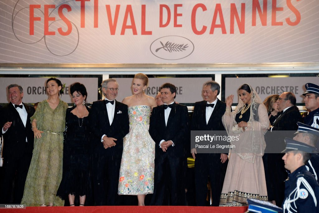 Daniel Auteuil, <a gi-track='captionPersonalityLinkClicked' href=/galleries/search?phrase=Naomi+Kawase&family=editorial&specificpeople=3267953 ng-click='$event.stopPropagation()'>Naomi Kawase</a>, <a gi-track='captionPersonalityLinkClicked' href=/galleries/search?phrase=Lynne+Ramsay&family=editorial&specificpeople=2118955 ng-click='$event.stopPropagation()'>Lynne Ramsay</a>, <a gi-track='captionPersonalityLinkClicked' href=/galleries/search?phrase=Steven+Spielberg&family=editorial&specificpeople=202022 ng-click='$event.stopPropagation()'>Steven Spielberg</a>, <a gi-track='captionPersonalityLinkClicked' href=/galleries/search?phrase=Nicole+Kidman&family=editorial&specificpeople=156404 ng-click='$event.stopPropagation()'>Nicole Kidman</a>, <a gi-track='captionPersonalityLinkClicked' href=/galleries/search?phrase=Cristian+Mungiu&family=editorial&specificpeople=4292523 ng-click='$event.stopPropagation()'>Cristian Mungiu</a>, <a gi-track='captionPersonalityLinkClicked' href=/galleries/search?phrase=Ang+Lee&family=editorial&specificpeople=215104 ng-click='$event.stopPropagation()'>Ang Lee</a> and <a gi-track='captionPersonalityLinkClicked' href=/galleries/search?phrase=Vidya+Balan&family=editorial&specificpeople=563348 ng-click='$event.stopPropagation()'>Vidya Balan</a> attend the Opening Ceremony and 'The Great Gatsby' Premiere during the 66th Annual Cannes Film Festival at the Theatre Lumiere on May 15, 2013 in Cannes, France.