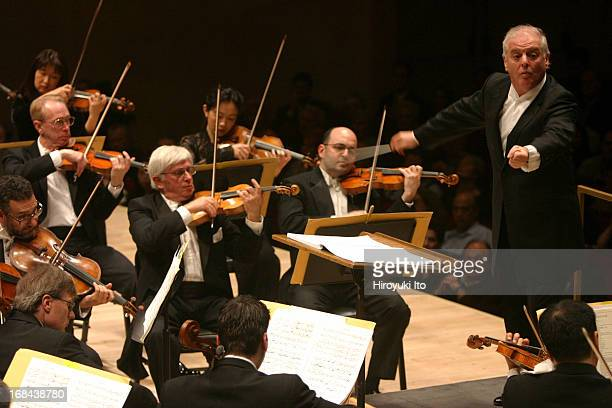 Daniel Barenboim conducting Chicago Symphony Orchestra at Carnegie Hall on Friday night May 13 2005This imageDaniel Barenboim conducting Chicago...