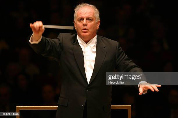 Daniel Barenboim leading the Chicago Symphony Orchestra at Carnegie Hall on Thursday night November 3 2005This imageDaniel Barenboim conducting the...