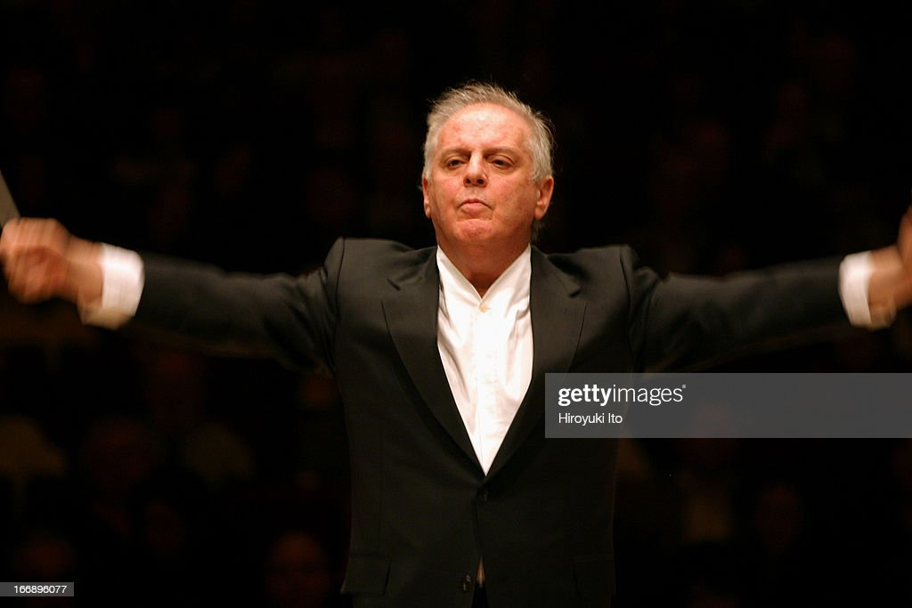 <a gi-track='captionPersonalityLinkClicked' href=/galleries/search?phrase=Daniel+Barenboim&family=editorial&specificpeople=242823 ng-click='$event.stopPropagation()'>Daniel Barenboim</a> leading the Chicago Symphony Orchestra at Carnegie Hall on Thursday night, November 3, 2005.This image:<a gi-track='captionPersonalityLinkClicked' href=/galleries/search?phrase=Daniel+Barenboim&family=editorial&specificpeople=242823 ng-click='$event.stopPropagation()'>Daniel Barenboim</a> conducting the Chicago Symphony Orchestra in Bruckner's 'Symphony No.5.'
