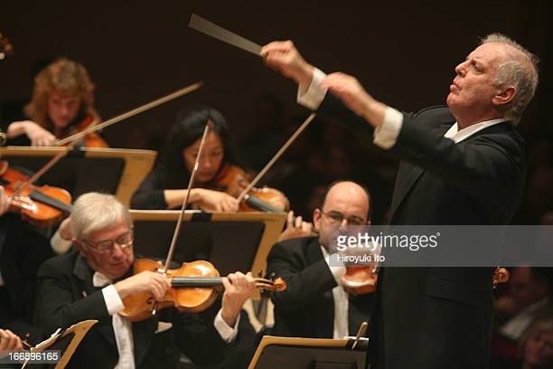 Daniel Barenboim leading the Chicago Symphony Orchestra at Carnegie Hall on Friday night November 4 2005This imageDaniel Barenboim conducting the...