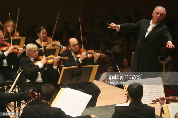 Daniel Barenboim leading the Chicago Symphony Orchestra at Carnegie Hall on Saturday night November 5 2005This imageDaniel Barenboim conducting the...