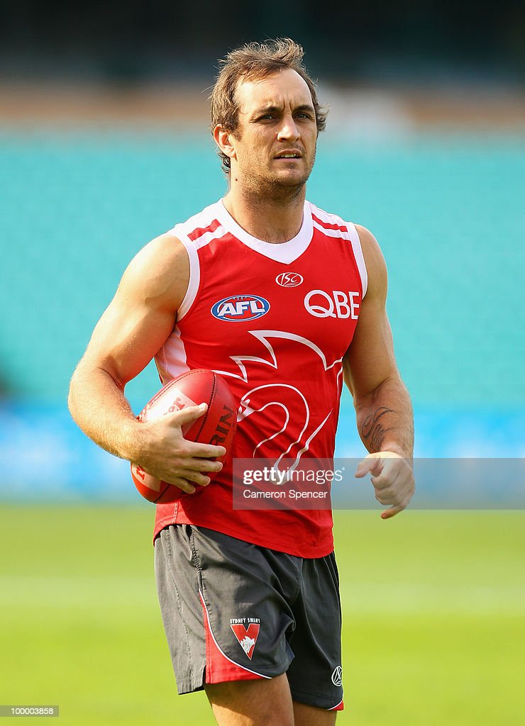 Daniel Bradshaw of the Swans warms up during a Sydney Swans AFL training session at the Sydney Cricket Ground on May 20, 2010 in Sydney, Australia.