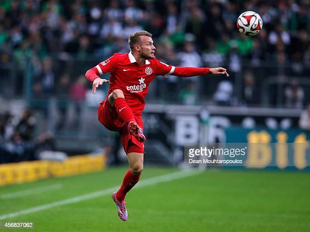 Daniel Brosinski of Mainz 05 in action during the Bundesliga match between Borussia VfL 1900 Monchengladbach eVand 1 FSV Mainz 05 Bundesliga held at...