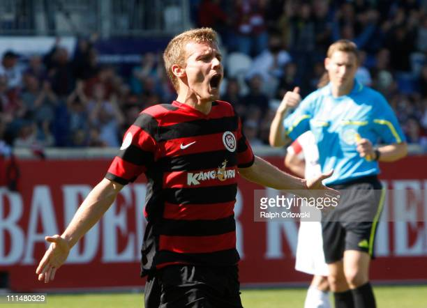 Daniel Brosinski of Wehen celebrates his goal against Bayern Muenchen during the Third League match between SV Wehen Wiesbaden and Bayern Muenchen II...