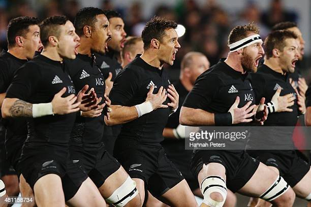 Daniel Carter Kieran Read and the New Zealand All Blacks perform the haka prior to The Rugby Championship match between the New Zealand All Blacks...