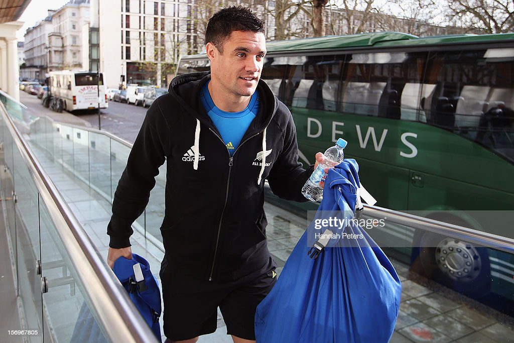 Daniel Carter of the All Blacks arrives for a recovery session at the Imperial College on November 26, 2012 in London, England.