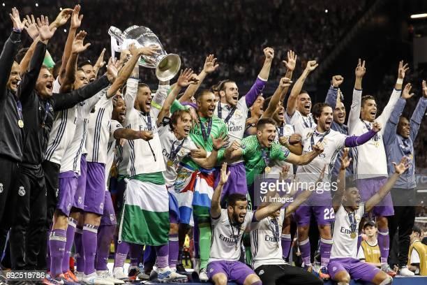 Daniel Carvajal of Real Madrid Raphael Varane of Real Madrid Karim Benzema of Real Madrid Marcelo of Real Madrid Toni Kroos of Real Madrid Sergio...