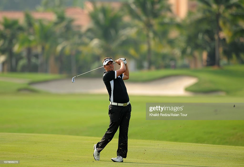 <a gi-track='captionPersonalityLinkClicked' href=/galleries/search?phrase=Daniel+Chopra&family=editorial&specificpeople=228104 ng-click='$event.stopPropagation()'>Daniel Chopra</a> of Sweden in action during round two of the Thailand Golf Championship at Amata Spring Country Club on December 7, 2012 in Bangkok, Thailand.