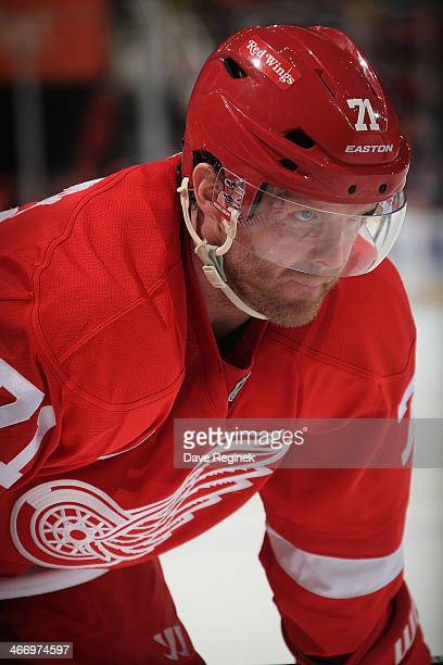 Daniel Cleary of the Detroit Red Wings gets set for the faceoff against the Florida Panthers during an NHL game on January 26 2014 at Joe Louis Arena...