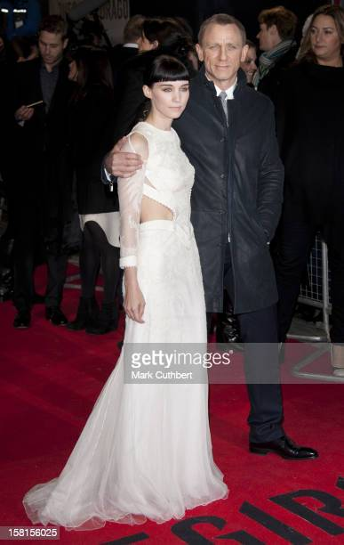 Daniel Craig And Rooney Mara Arriving For The World Premiere Of The Girl With The Dragon Tattoo At Odeon Leicester Square London