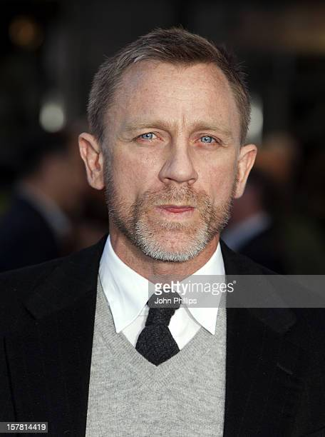 Daniel Craig Attending The Premiere Of Tintin At The Odeon Cinema In Leicester Square London