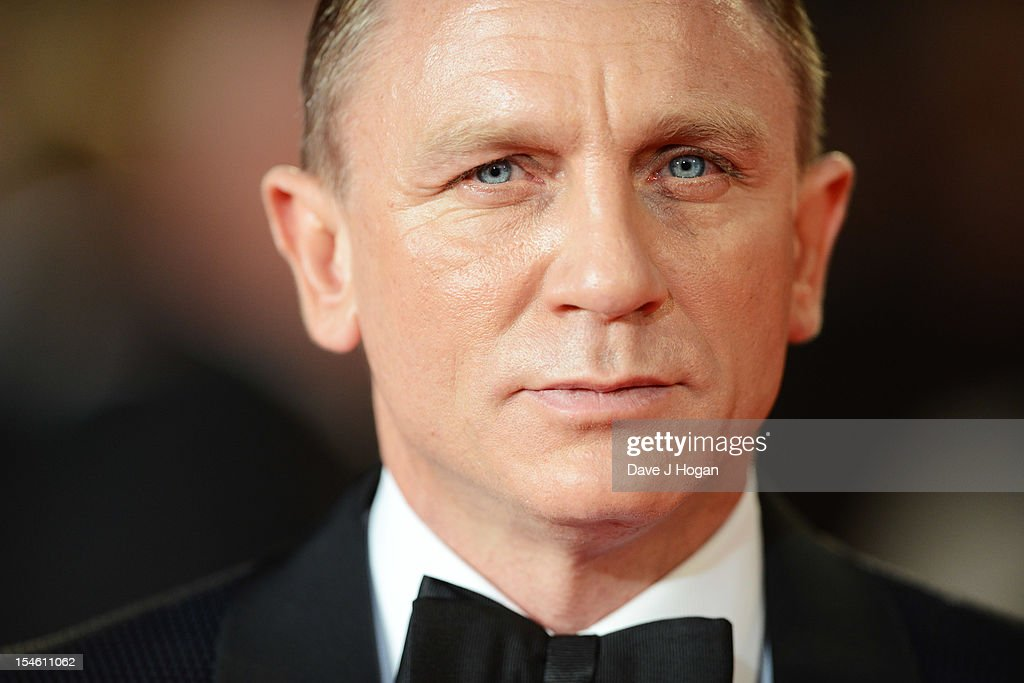 Daniel Craig attends the Royal world premiere of 'Skyfall' at The Royal Albert Hall on October 23, 2012 in London, England.