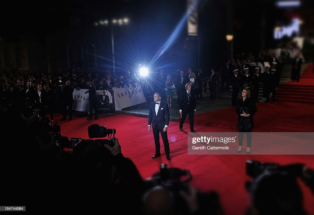 <a gi-track='captionPersonalityLinkClicked' href=/galleries/search?phrase=Daniel+Craig+-+Actor&family=editorial&specificpeople=12323550 ng-click='$event.stopPropagation()'>Daniel Craig</a> attends the Royal World Premiere of 'Skyfall' at the Royal Albert Hall on October 23, 2012 in London, England