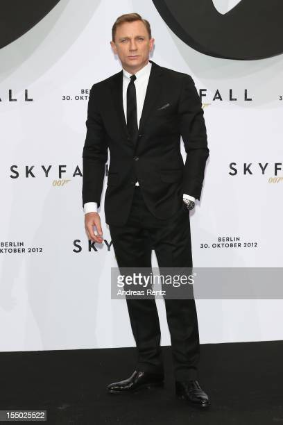 Daniel Craig attends the 'Skyfall' Germany premiere at Theater am Potsdamer Platz on October 30 2012 in Berlin Germany