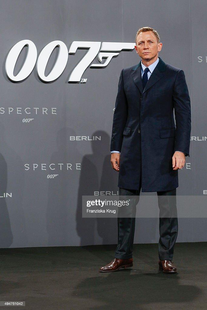 Daniel Craig attends the Spectre' German Premiere on October 28, 2015 in Berlin, Germany.
