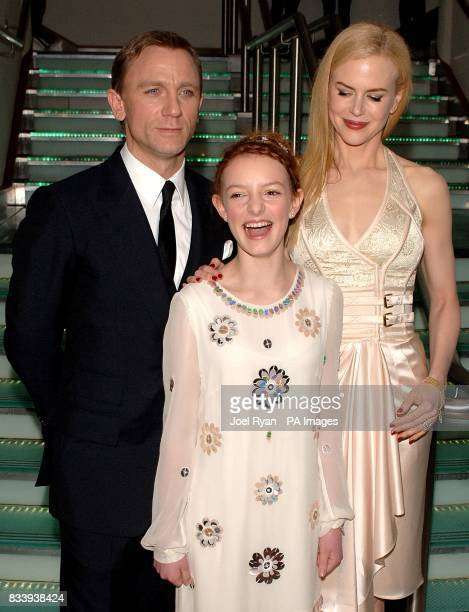 Daniel Craig Dakota Blue Richards and Nicole Kidman arrives for the premiere of The Golden Compass at the Odeon West End Cinema Leicester Square...