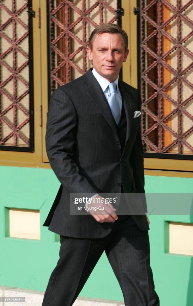 Daniel Craig during ''Casino Royale'' Seoul Photocall December 11 2006 at Shilla Hotel in Seoul South Korea
