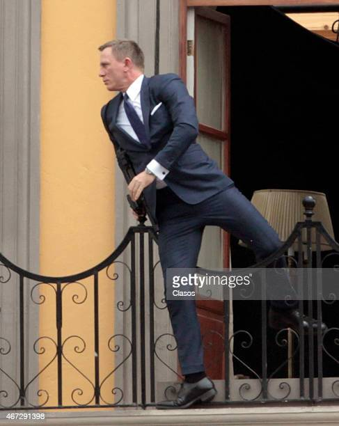 Daniel Craig films 'Spectre' on March 22 2015 in Mexico City Mexico