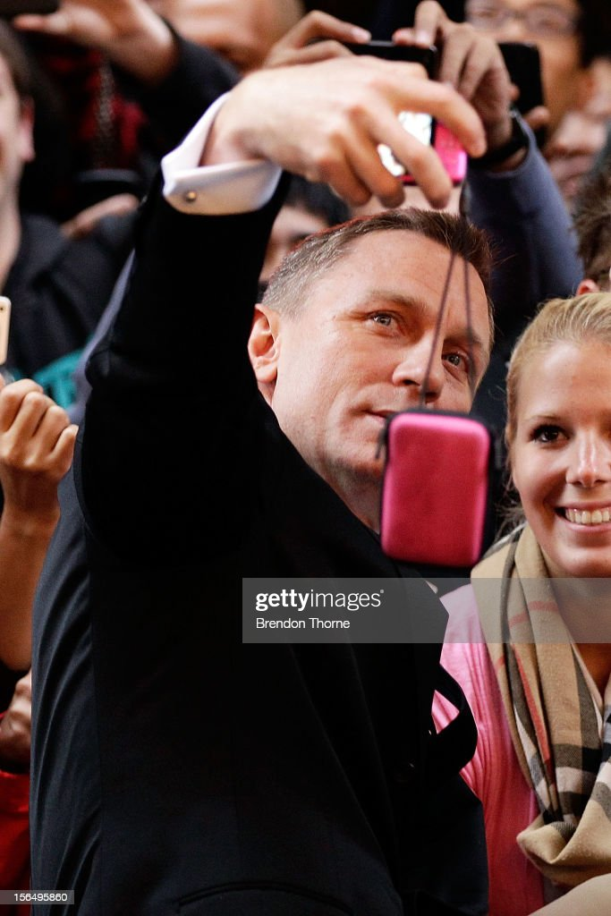 Daniel Craig greets fans at the 'Skyfall' Australian premiere at the State Theatre on November 16, 2012 in Sydney, Australia.