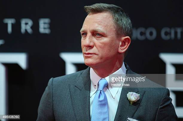 Daniel Craig looks on during the red carpet of the 'Spectre' film Premiere at Auditorio Nacional on November 02 2015 in Mexico City Mexico