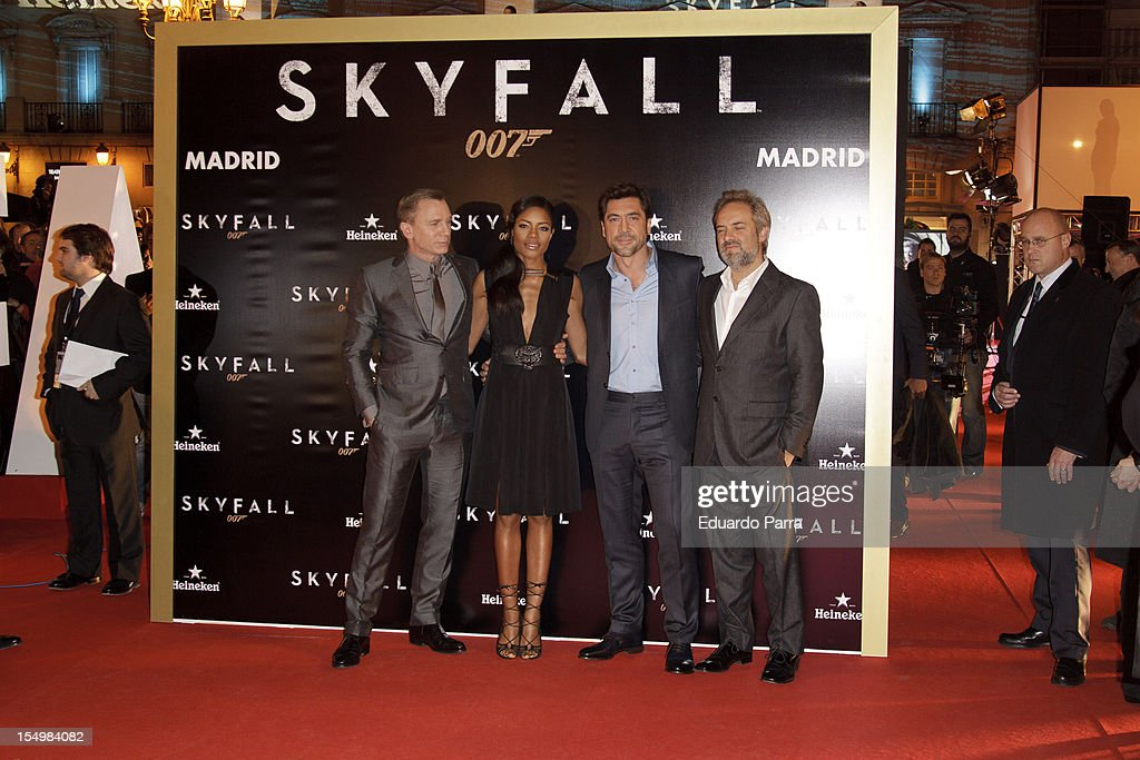 Daniel Craig, <a gi-track='captionPersonalityLinkClicked' href=/galleries/search?phrase=Naomie+Harris&family=editorial&specificpeople=238918 ng-click='$event.stopPropagation()'>Naomie Harris</a>, <a gi-track='captionPersonalityLinkClicked' href=/galleries/search?phrase=Javier+Bardem&family=editorial&specificpeople=209334 ng-click='$event.stopPropagation()'>Javier Bardem</a> and <a gi-track='captionPersonalityLinkClicked' href=/galleries/search?phrase=Sam+Mendes&family=editorial&specificpeople=211300 ng-click='$event.stopPropagation()'>Sam Mendes</a> attend the 'Skyfall' photocall premiere at Santa Ana Square on October 29, 2012 in Madrid, Spain.