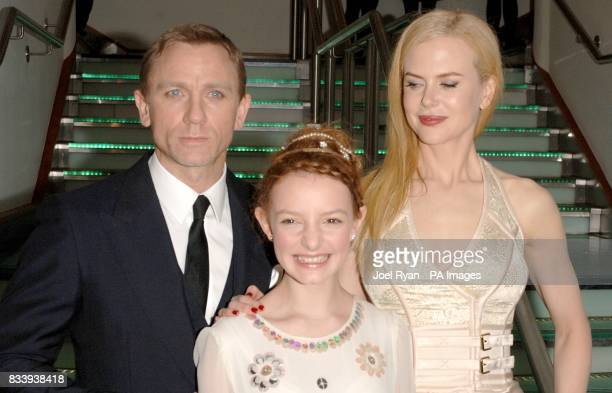 Daniel Craig Nicole Kidman and Dakota Blue Richards arrive for the premiere of The Golden Compass at the Odeon West End Cinema Leicester Square London