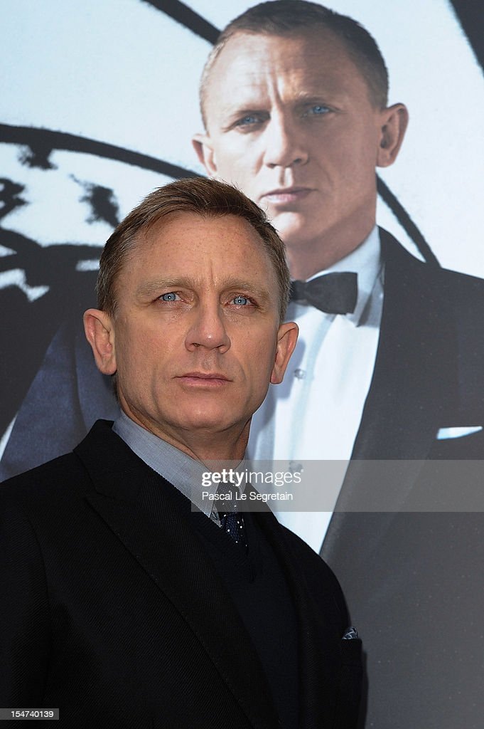 Daniel Craig poses during the photocall for the film 'Skyfall' at Hotel George V on October 25, 2012 in Paris, France.