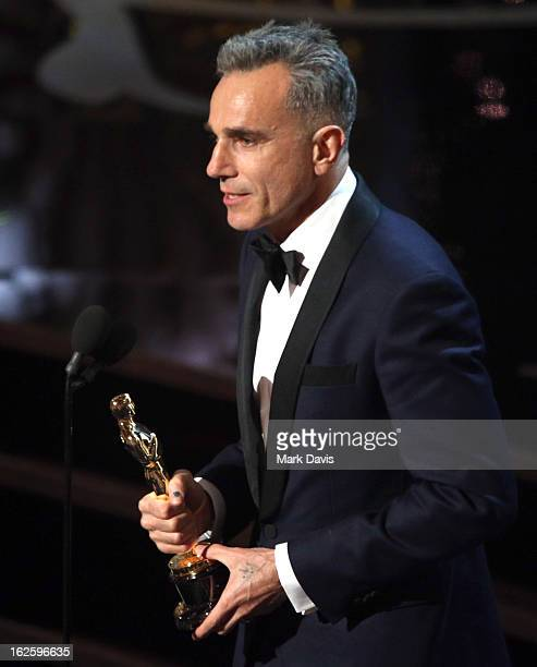 Daniel DayLewis accepts Best Actor Award for 'Lincoln' onstage during the Oscars held at the Dolby Theatre on February 24 2013 in Hollywood California