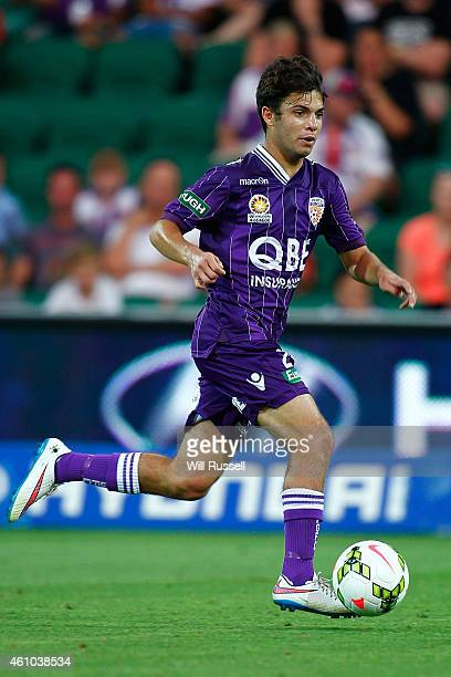 Daniel De Silva of the Glory runs with the ball during the round 15 ALeague match between the Perth Glory and Adelaide United at nib Stadium on...