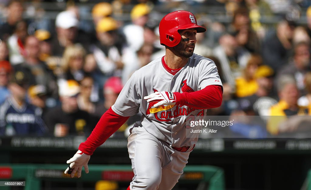 Daniel Descalso #33 of the St. Louis Cardinals plays against the Pittsburgh Pirates during the game at PNC Park April 6, 2014 in Pittsburgh, Pennsylvania.