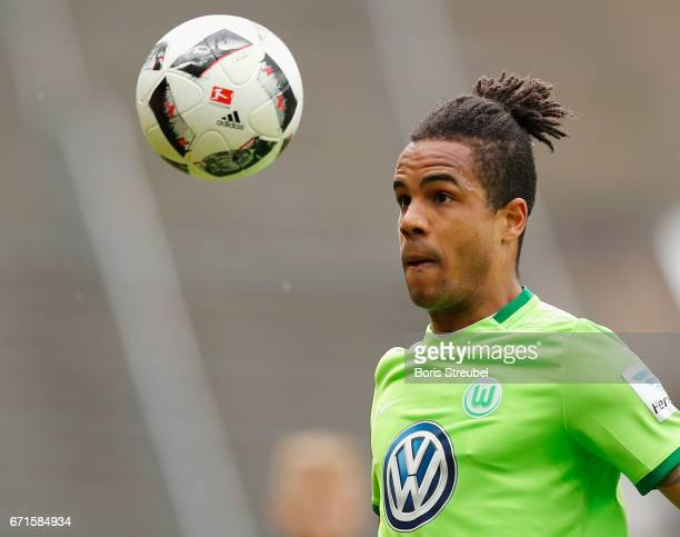 Daniel Didavi of VfL Wolfsburg controls the ball during the Bundesliga match between Hertha BSC and VfL Wolfsburg at Olympiastadion on April 22 2017...