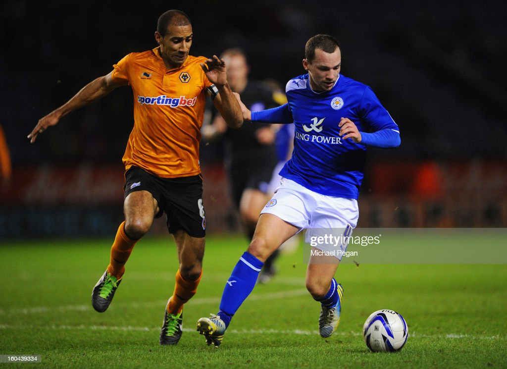 Daniel Drinkwater of Leicester battles <a gi-track='captionPersonalityLinkClicked' href=/galleries/search?phrase=Karl+Henry&family=editorial&specificpeople=2093810 ng-click='$event.stopPropagation()'>Karl Henry</a> of Wolves during the npower Championship match between Leicester City and Wolverhampton Wanderers at The King Power Stadium on January 31, 2013 in Leicester, England.