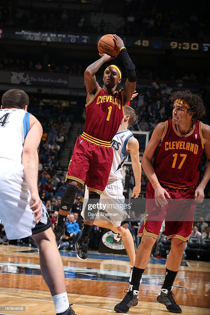 Daniel Gibson #1 of the Cleveland Cavaliers takes a jumpshot against the Minnesota Timberwolves during the game on December 7, 2012 at Target Center in Minneapolis, Minnesota.