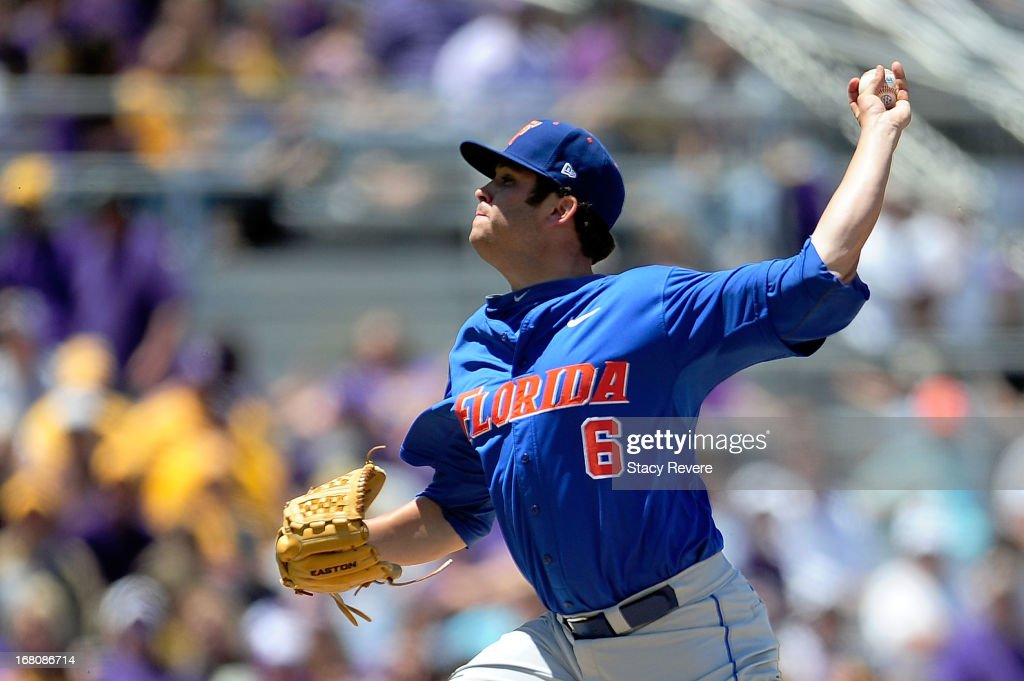 Daniel Gibson #6 of the Florida Gators throws a pitch against the LSU Tigers during a game at Alex Box Stadium on May 4, 2013 in Baton Rouge, Louisiana.