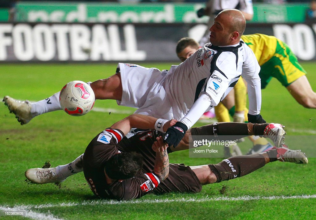 Daniel Ginczek of St. Pauli clashed with Zaver Yelen of Frankfurt (top) during the Second Bundesliga match between 1. FC St. Pauli and FSV Frankfurt 1899 at Millerntor Stadium on February 22, 2013 in Hamburg, Germany.