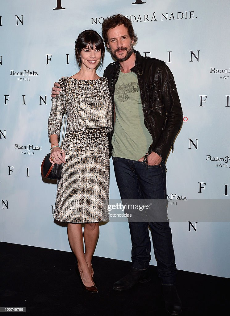Daniel Grao (R) and Maribel Verdu attend a photocall for 'Fin' at the Room Mate Oscar Hotel on November 20, 2012 in Madrid, Spain.