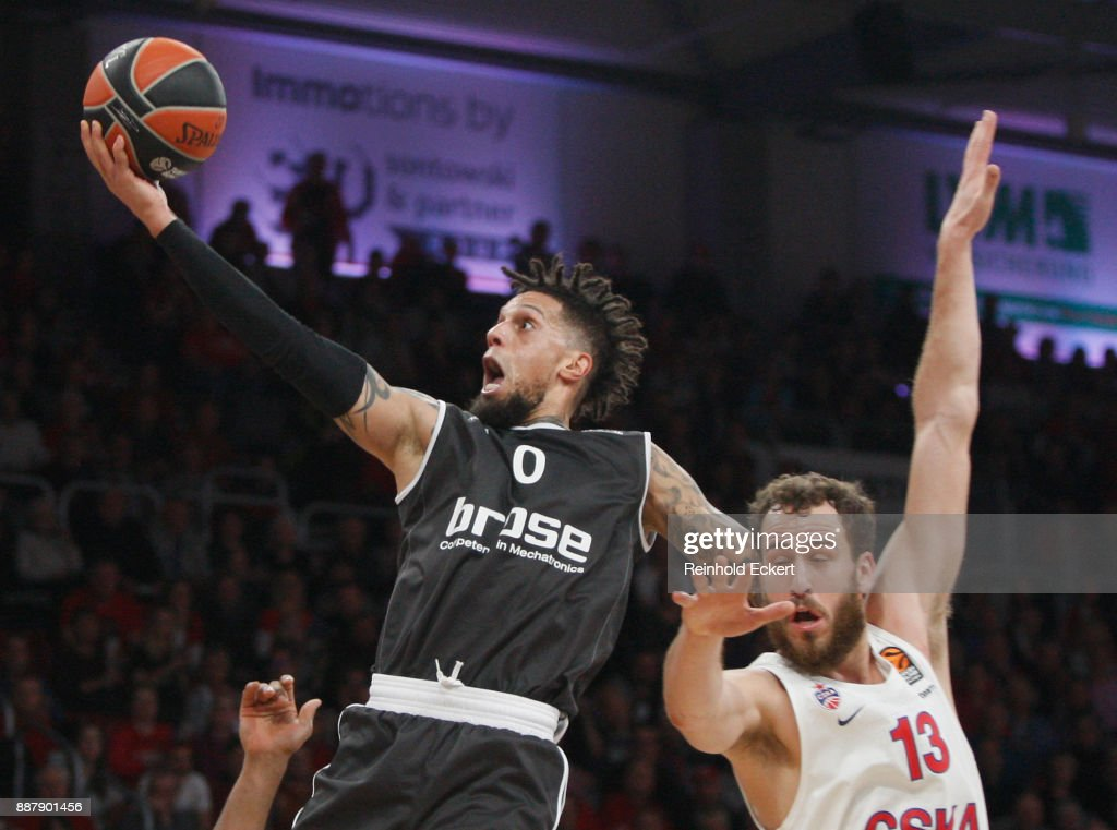 Daniel Hackett, #0 of Brose Bamberg competes with Sergio Rodriguez, #13 of CSKA Moscow in action during the 2017/2018 Turkish Airlines EuroLeague Regular Season Round 11 game between Brose Bamberg and CSKA Moscow at Brose Arena on December 7, 2017 in Bamberg, Germany.