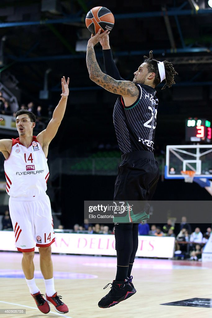 Daniel Hackett, #23 of Montepaschi Siena in action during the 2013-2014 Turkish Airlines Euroleague Regular Season Date 7 game between Montepaschi Siena v FC Bayern Munich at Nelson Mandela Forum on November 29, 2013 in Florence, Italy.