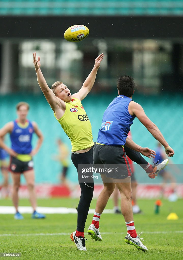 Daniel Hannebery of the Swans competes for the ball during a Sydney Swans AFL training session at Sydney Cricket Ground on May 31, 2016 in Sydney, Australia.