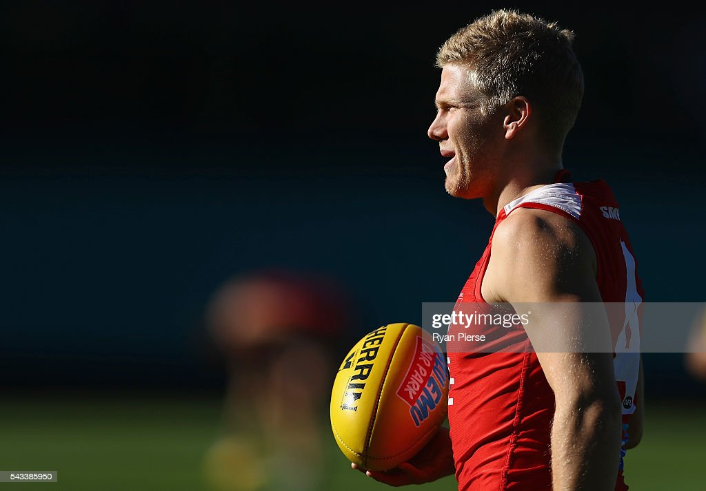 Daniel Hannebery of the Swans trains during a Sydney Swans AFL training session at Sydney Cricket Ground on June 28, 2016 in Sydney, Australia.