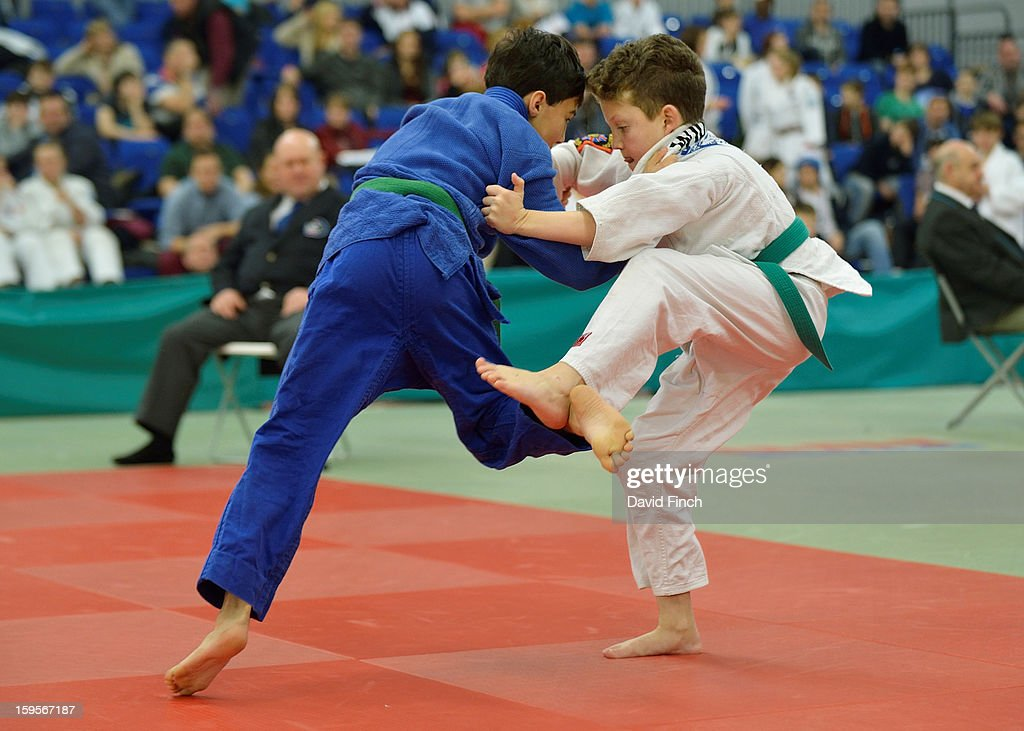 Daniel Holt of Osaka JC (blue) defeated James Widman of Pinewood in the Pre Cadet Boys Under 34kgs final for the gold medal during the British Cadet and Pre-Cadet Judo Championships on day 2, Sunday, January 13, 2013 at the English Institute of Sport, Sheffield, England, UK.