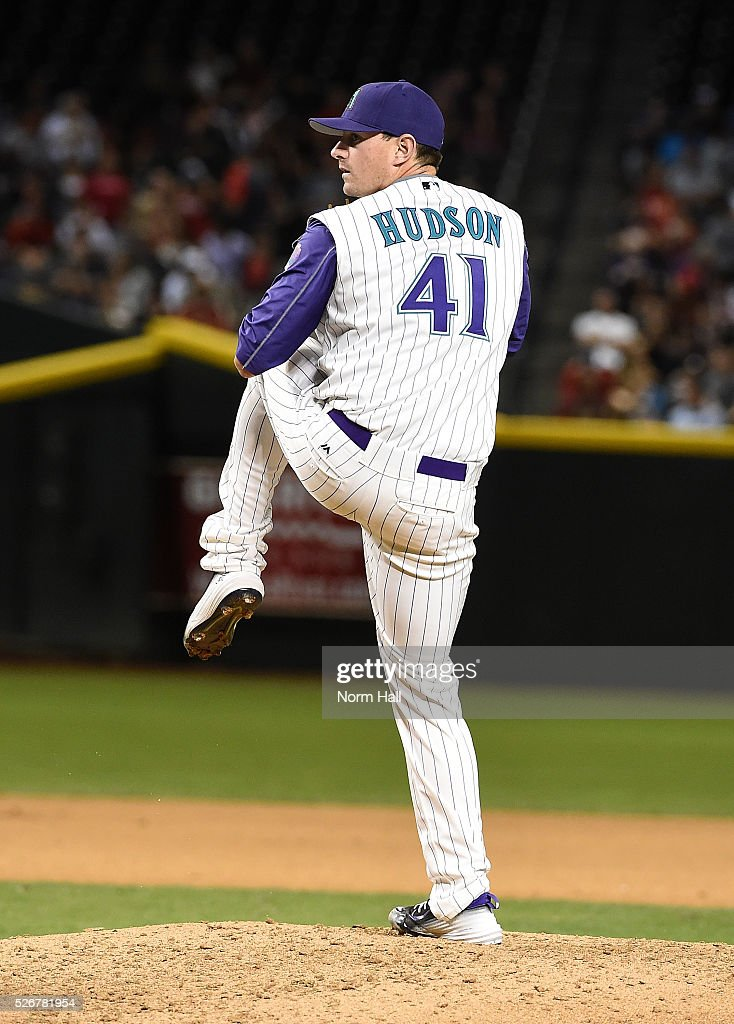 <a gi-track='captionPersonalityLinkClicked' href=/galleries/search?phrase=Daniel+Hudson&family=editorial&specificpeople=6243440 ng-click='$event.stopPropagation()'>Daniel Hudson</a> #41 of the Arizona Diamondbacks delivers a pitch against the St Louis Cardinals on April 28, 2016 in Phoenix, Arizona.