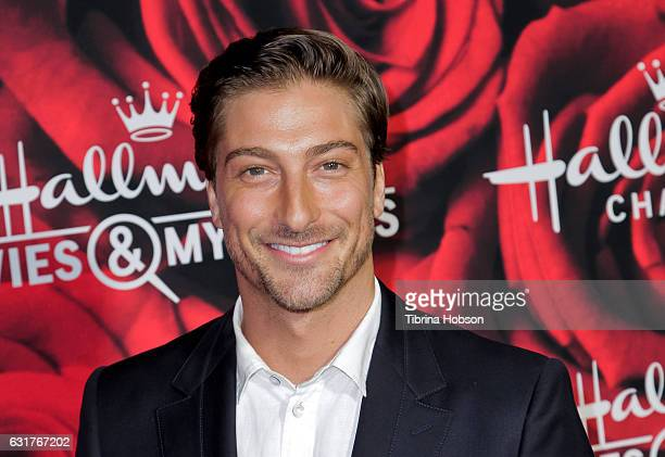 Daniel lissing stock photos and pictures getty images for Hallmark movies and mysteries channel