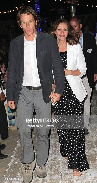 Daniel Moder and actress Julia Roberts attend Heal The Bay's Bring Back The Beach Fundraiser on May 17 2012 in Santa Monica California