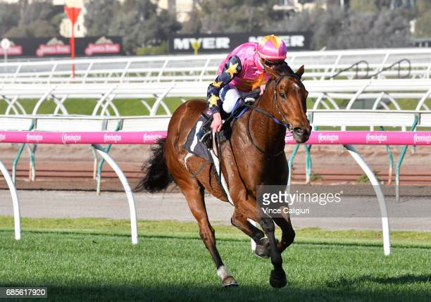 Daniel Moor riding De Little Engine winning Race 6 Andrew Ramsden Stakes during Melbourne Racing at Flemington Racecourse on May 20 2017 in Melbourne...
