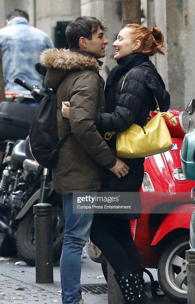 ¿Cuánto mide Daniel Muriel? - Altura Daniel-muriel-and-cristina-castano-are-seen-on-december-20-2015-in-picture-id507290758